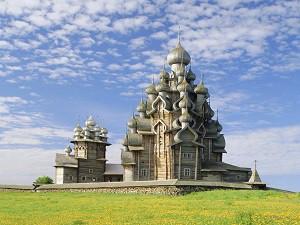 Kizhi, Russia --- Transfiguration Cathedral, Kizhi Island, Karelia, Russia --- Image by © Ellen Rooney/Robert Harding World Imagery/Corbis
